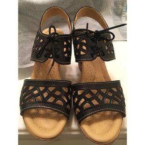 Black White Mountain Sandals
